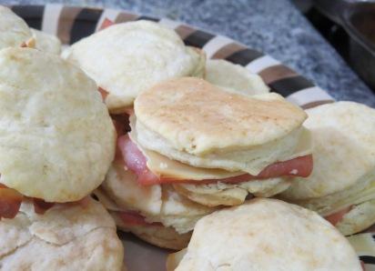 scones de jamón y queso