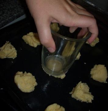 aplastando galletitas