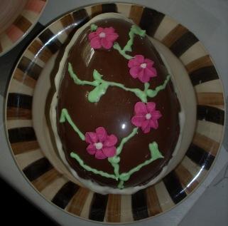 huevo chocolate flores de azúcar
