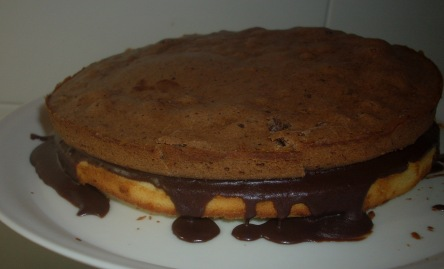 Torta de chocolate blanco y negro