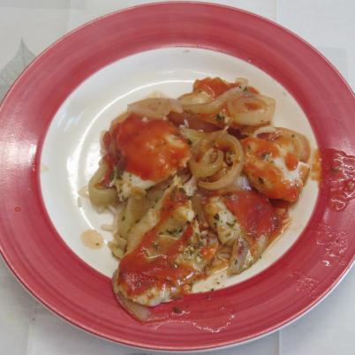pescado al horno con salsa