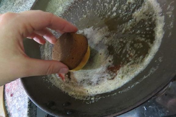 Magdalenas con baño de manteca, azúcar y canela