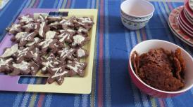 galletitas de chocolate y tuiles de miel