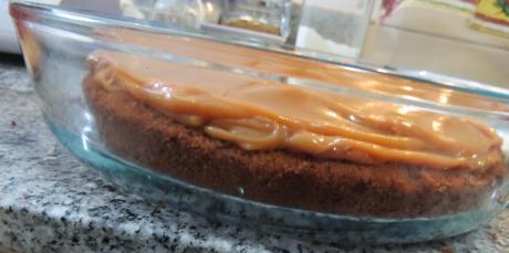 torta diabla con baño de chocolate